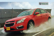 Continental dá dicas para dirigir na chuva com segurança