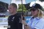 Bottas visita funcionários e as instalações da Petronas