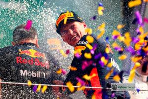 Verstappen voltou a brilhar na Malásia.Triunfo no México o deixou em evidência (RBCP/Getty Images)