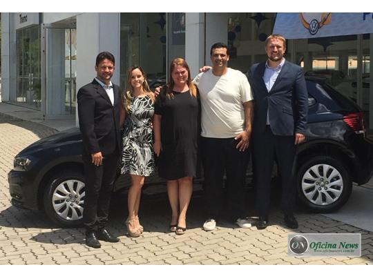 "VW entrega Novo Polo ao ganhador da ""Oficina de Prêmios"""