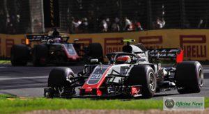 Magnussen e Grosjean ocuapvam o quarto e quinto lugares até abandonarem (Haas)