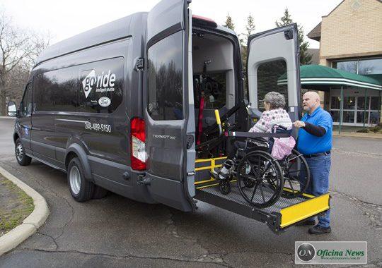 Ford lança serviço de transporte médico não emergencial