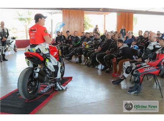 Ducati foca na plataforma de cursos de pilotagem em 2018