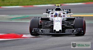 Sergey Sirotkin foi um dos raros pilotos a melhorar seus tempos na prova usando pneus super macios (Williams)
