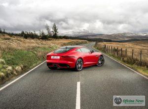 Jaguar apresenta o F-TYPE com novo motor ingenium turbo 2.0