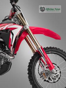 Linha CRF 2019 de motocicletas de competição chega ao Brasil