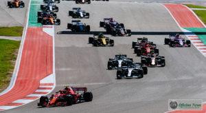 Kimi Raikkönen assumiu a ponta na largada, marcada por acidentes e rodada de Sebastian Vettel (Ferrari)