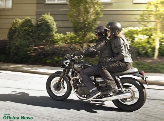Linha 2019 da moto Street Twin chega ao mercado brasileiro