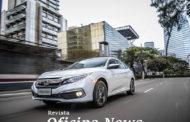 Honda Civic Touring: estilo arrojado e economia
